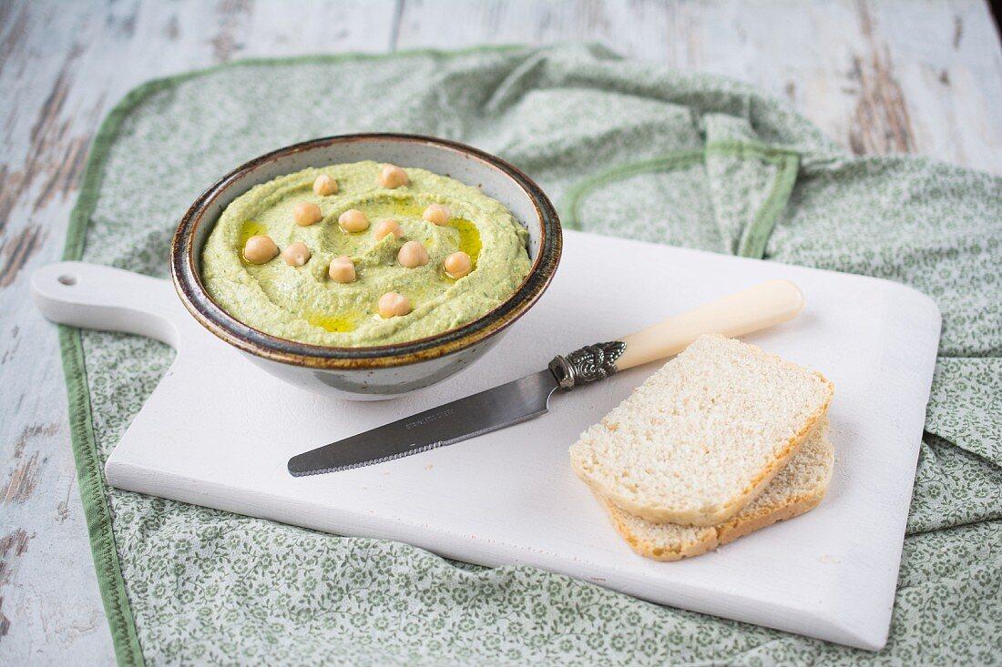 Hummus with wild garlic