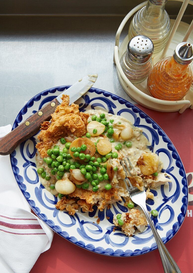 Omelette with peas and onions