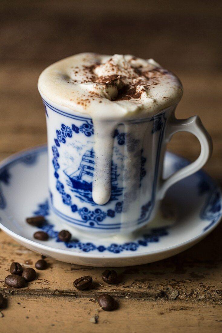 Pharisäer (Kaffee mit Zucker, Rum und Schlagsahne, Nordfriesland)