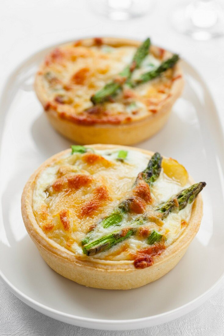Green asparagus tarts