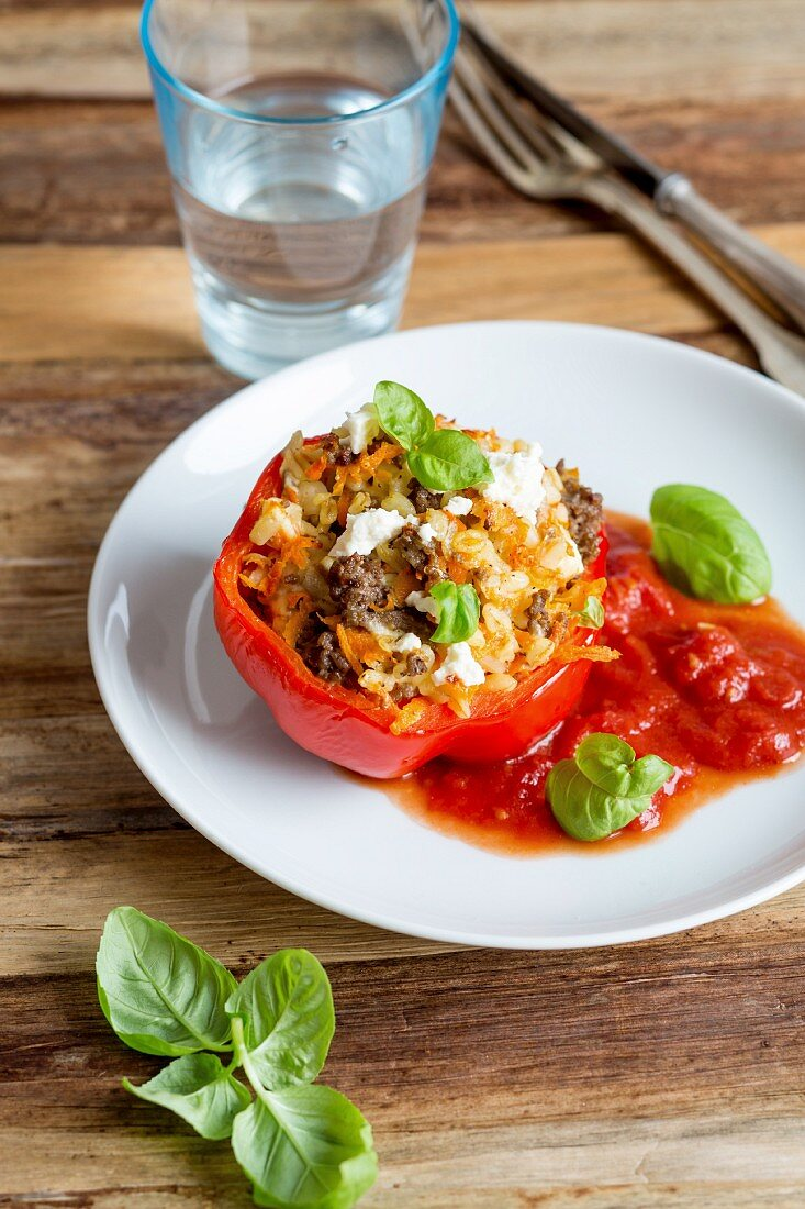 Stuffed peppers with minced beef, tender wheat, root vegetables and feta cheese