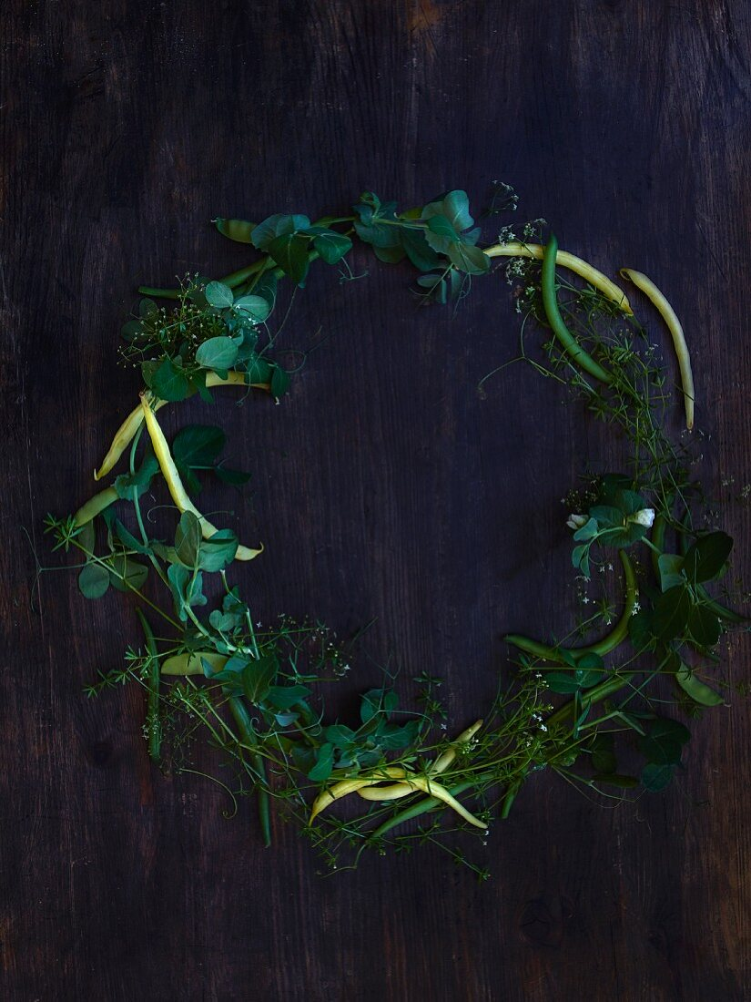 Wreath of pea shoots and beans