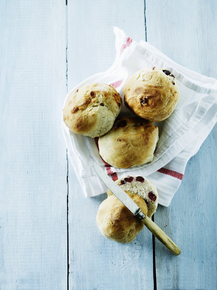 Homemade rolls with cranberries (seen from above)