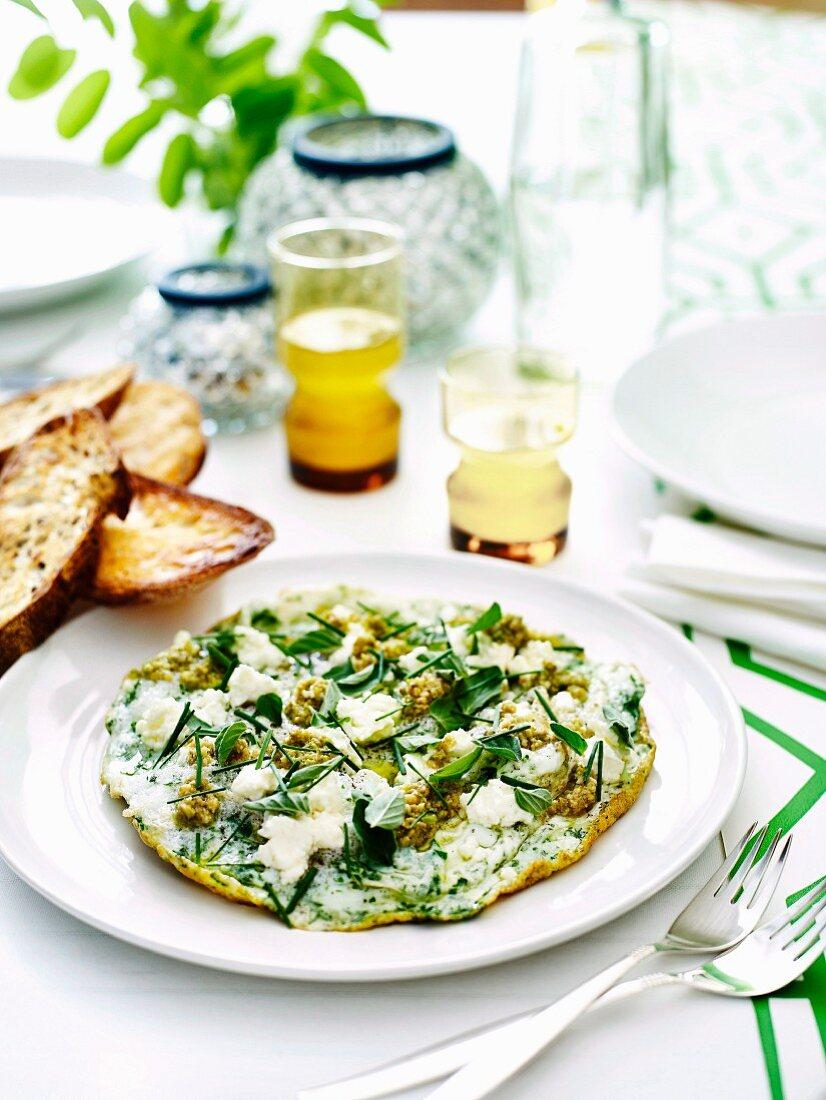 Eiweiss-Omelett mit Tapenade und Feta zu Ostern