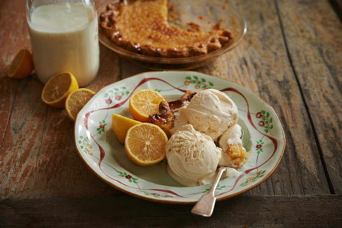 Chess Pie with lemon buttermilk ice cream (USA)