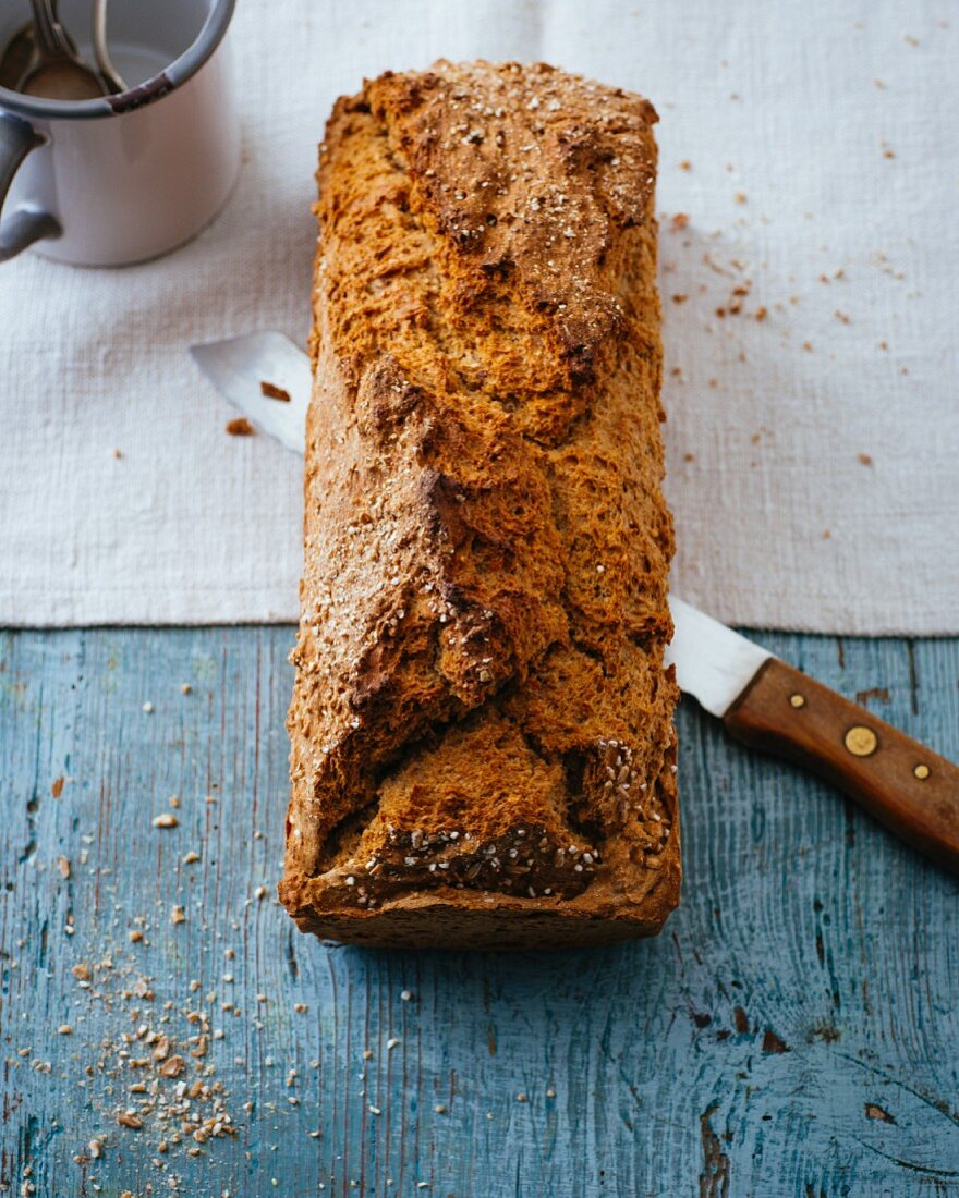 Quick wholemeal bread with buttermilk and flax seeds