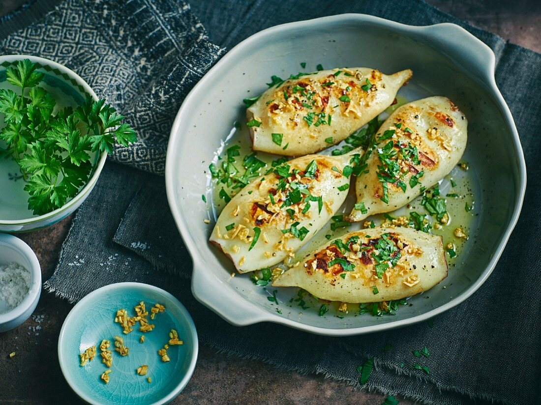 Grilled squid with parsley and garlic