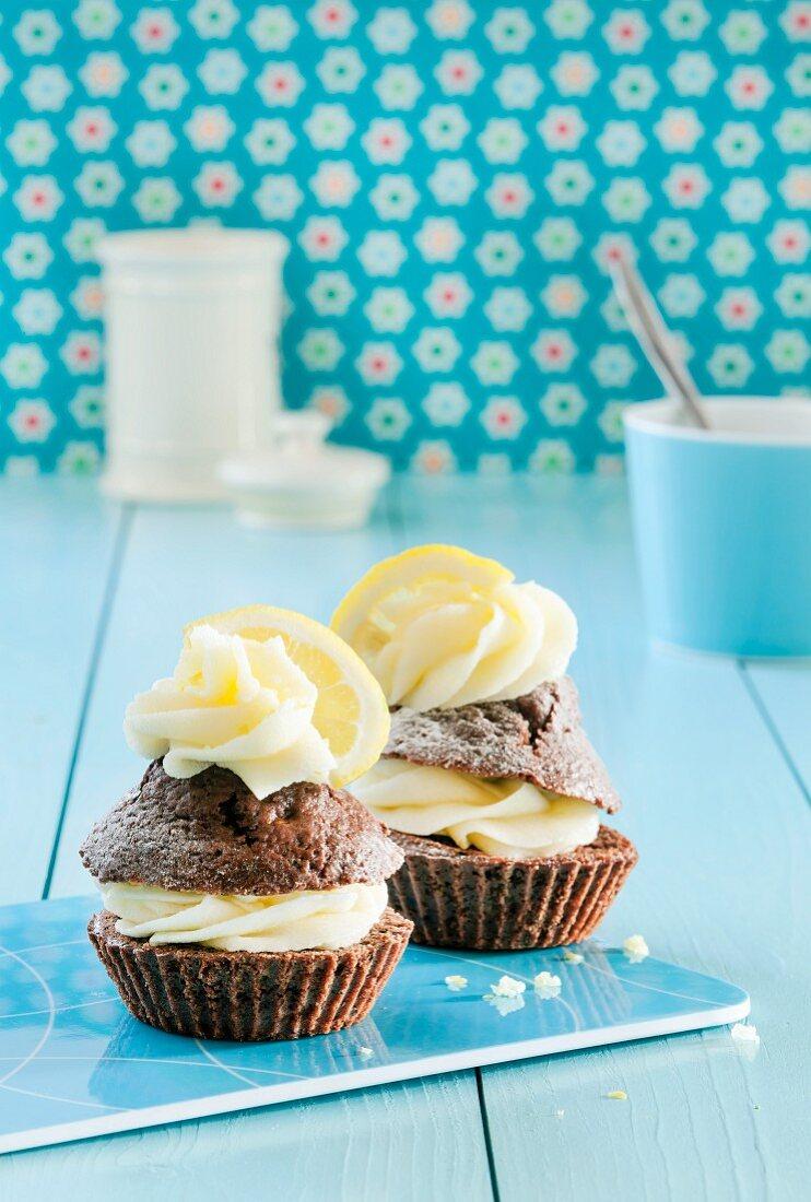 Chocolate cupcakes with lemon curd