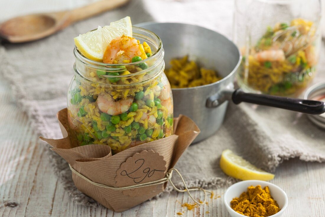 Curry wholemeal pilau with prawns to take away