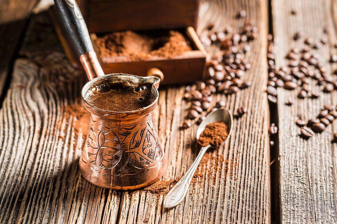 Türkischer Mokka im Kupferkännchen