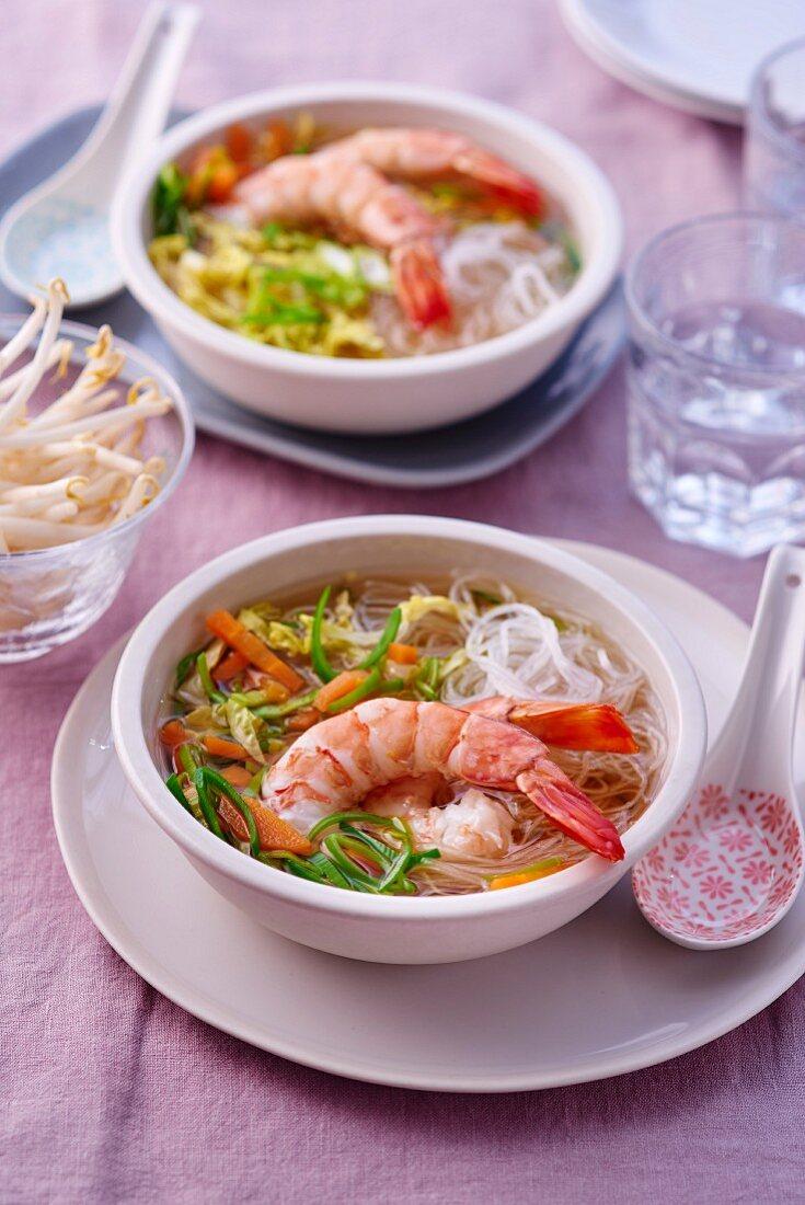 Pot au feu with glass noodles and prawns (Vietnam)