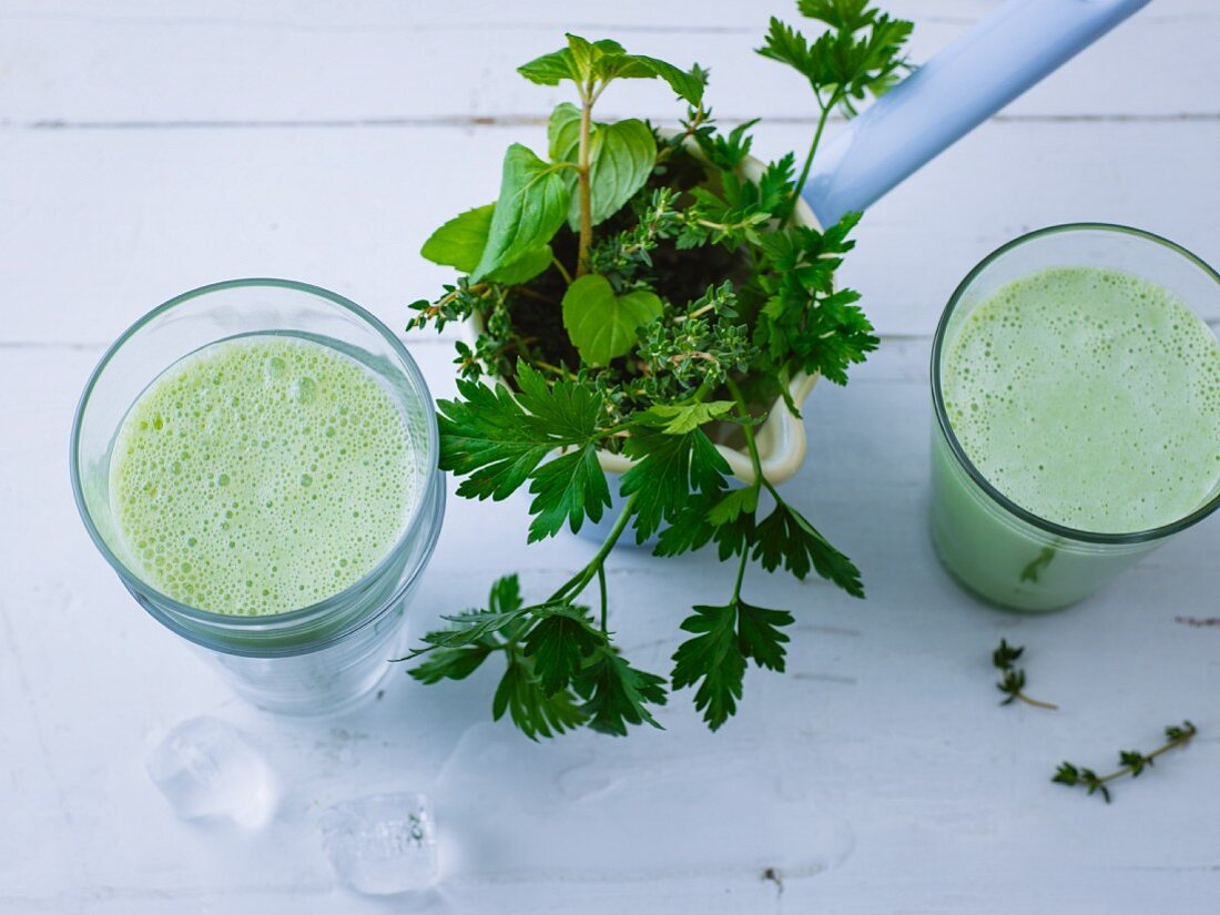 Green Jerusalem artichoke and herb smoothie with Swedish milk and acacia honey