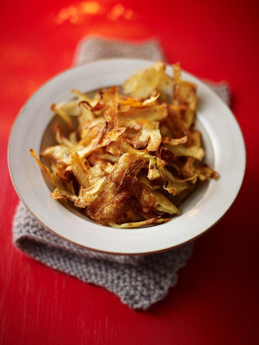 Crispy potato peelings as a snack