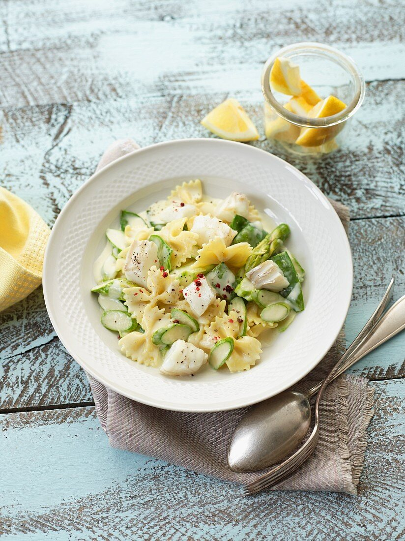 Cod fillet in lemon sauce with farfalle