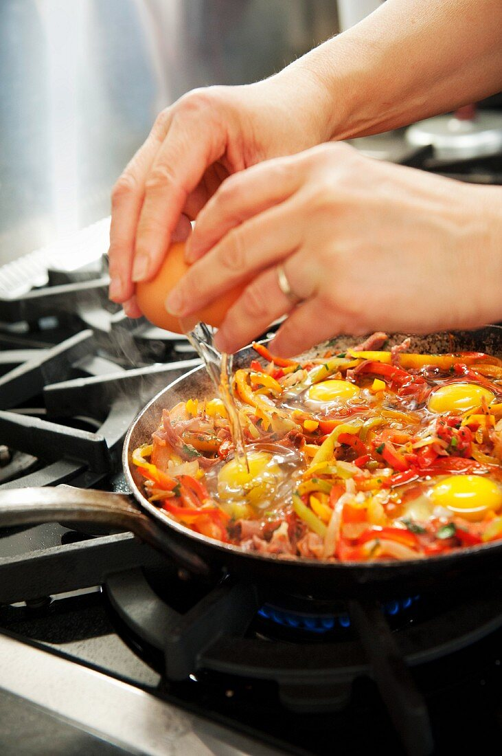 Piperade with a fried egg (Basque country)