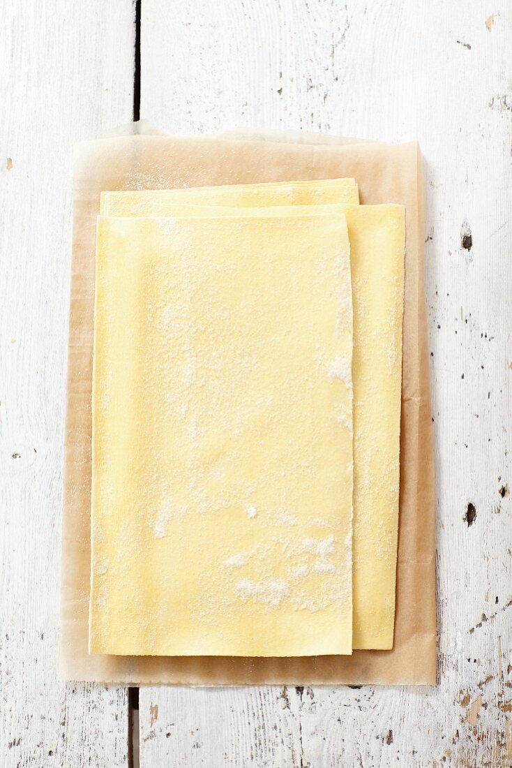 Fresh lasagne sheets (seen from above)