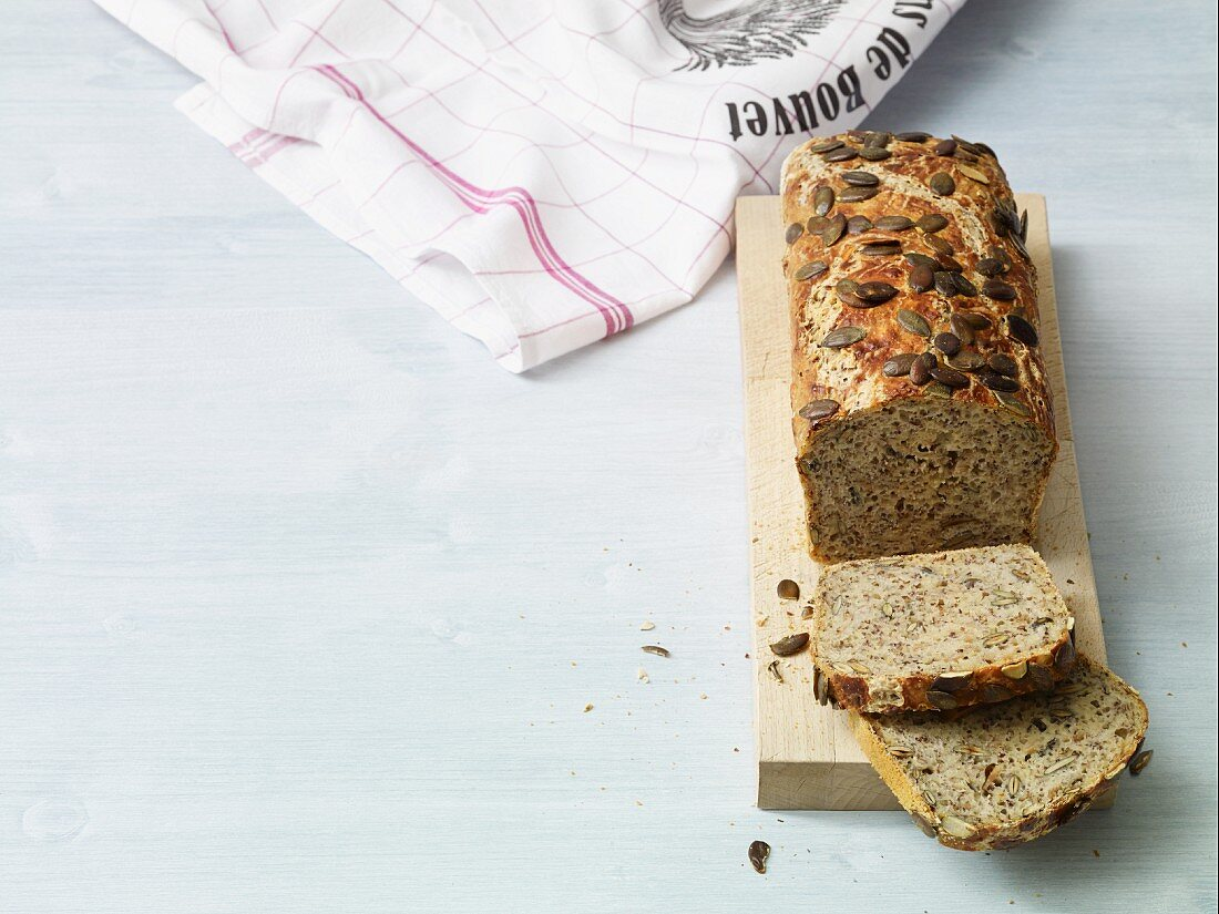 No knead bread baked in a pot