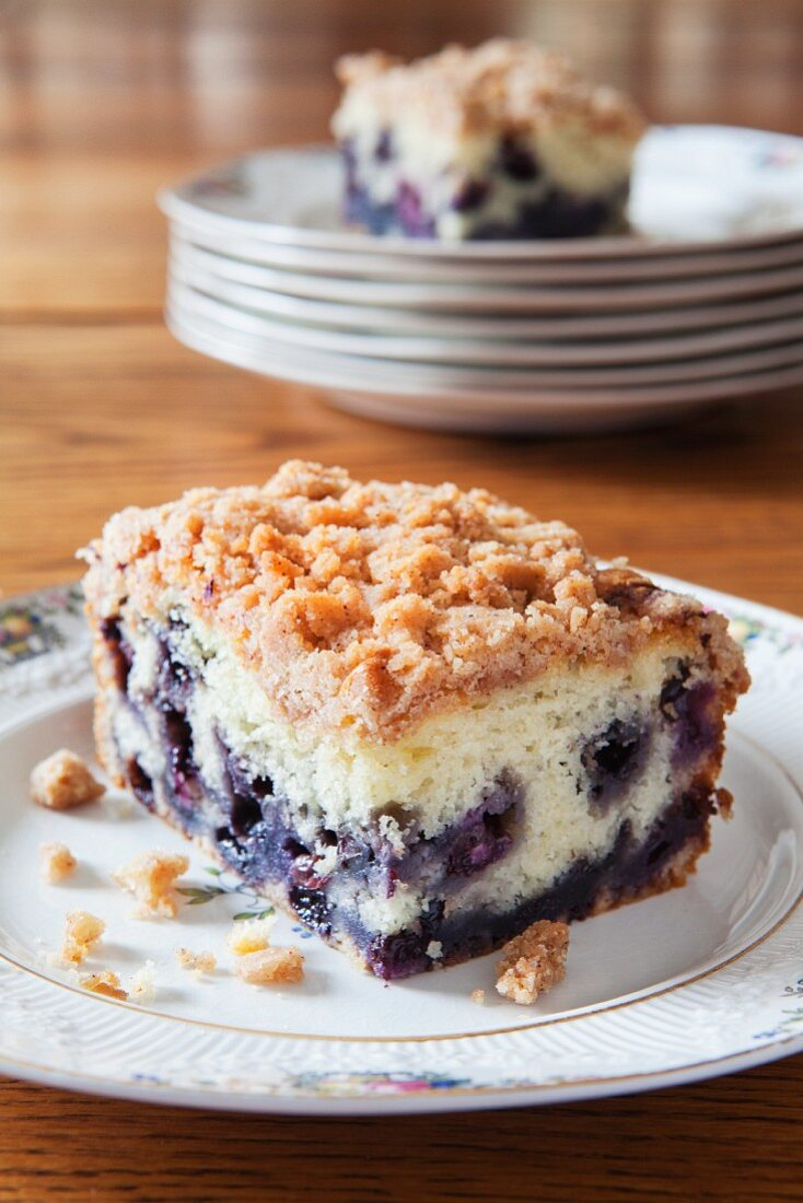 Blueberry Buckle (blueberry cake, USA) on a dining room table