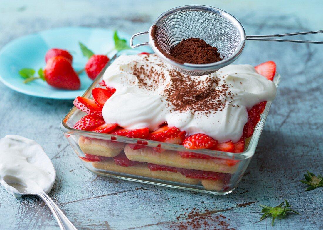 Strawberry tiramisu with quark