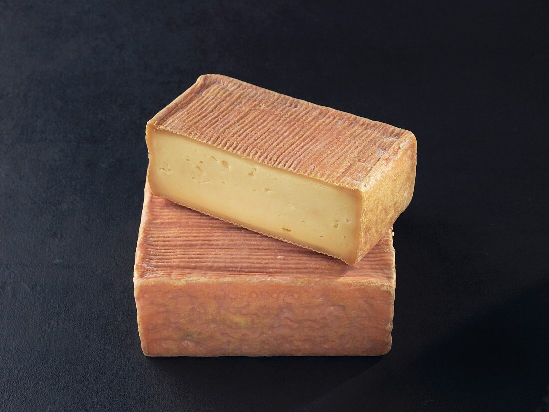 Maroilles (French cow's milk cheese)