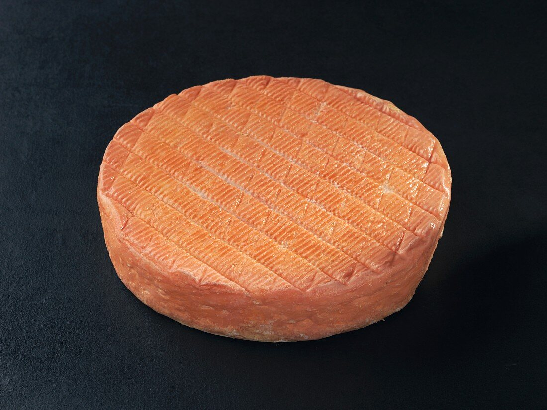 Muster (French cow's milk cheese)