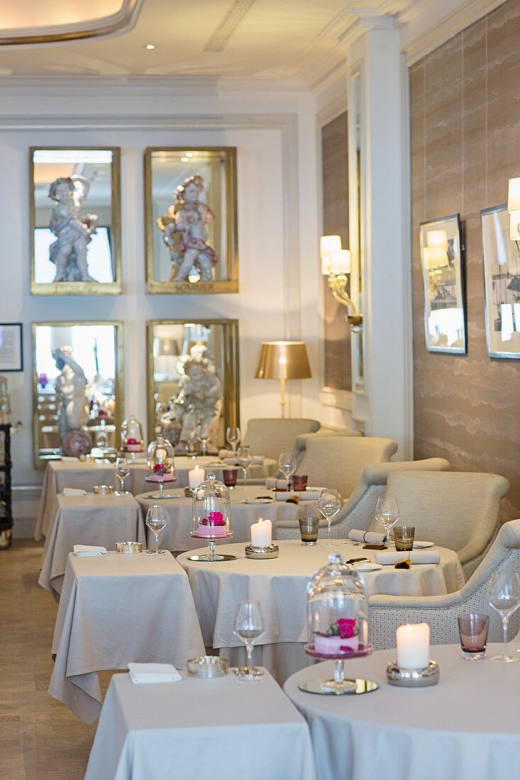 Ambiente im Restaurant Haerlin, Fairmont Hotel Vier Jahrezeiten