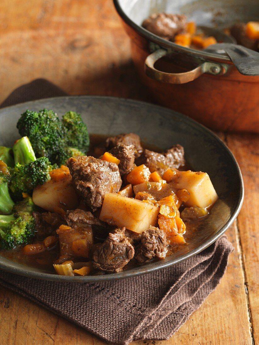 Irish stew with broccoli