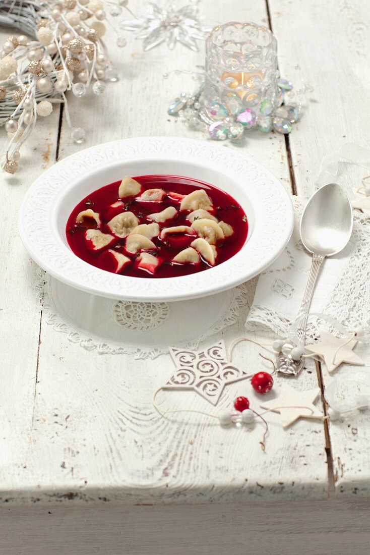 Beetroot soup with pierogi