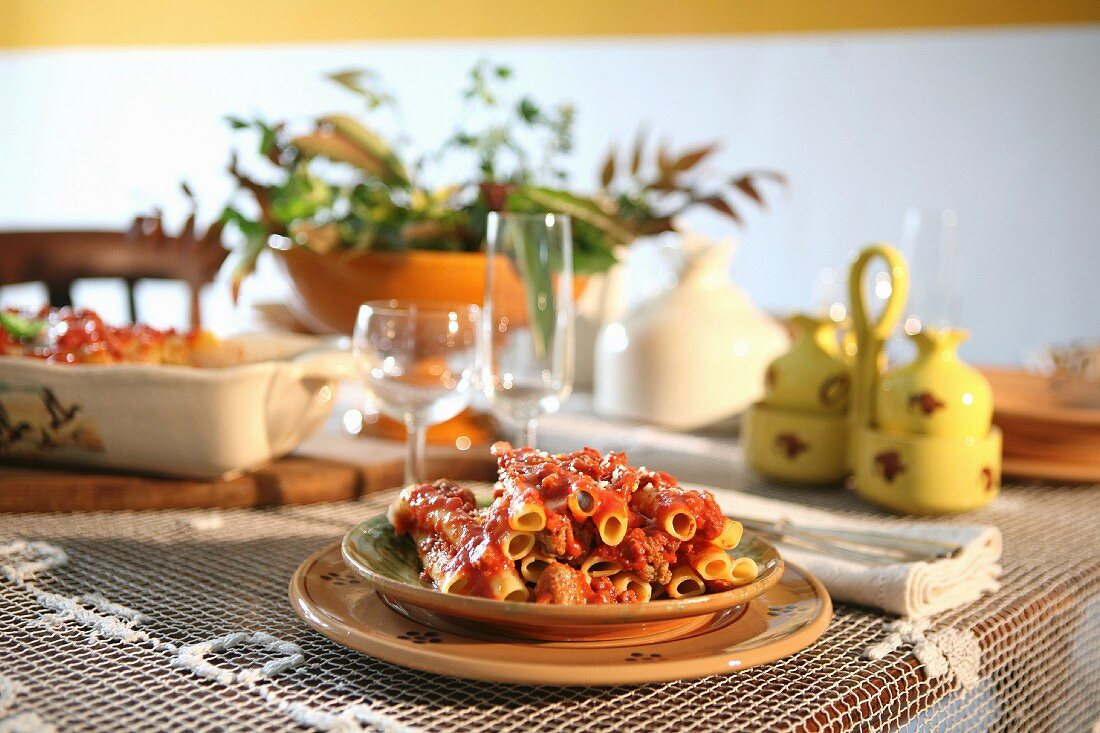 Pasta al forno (pasta bake with a tomato and minced meat sauce, Italy)