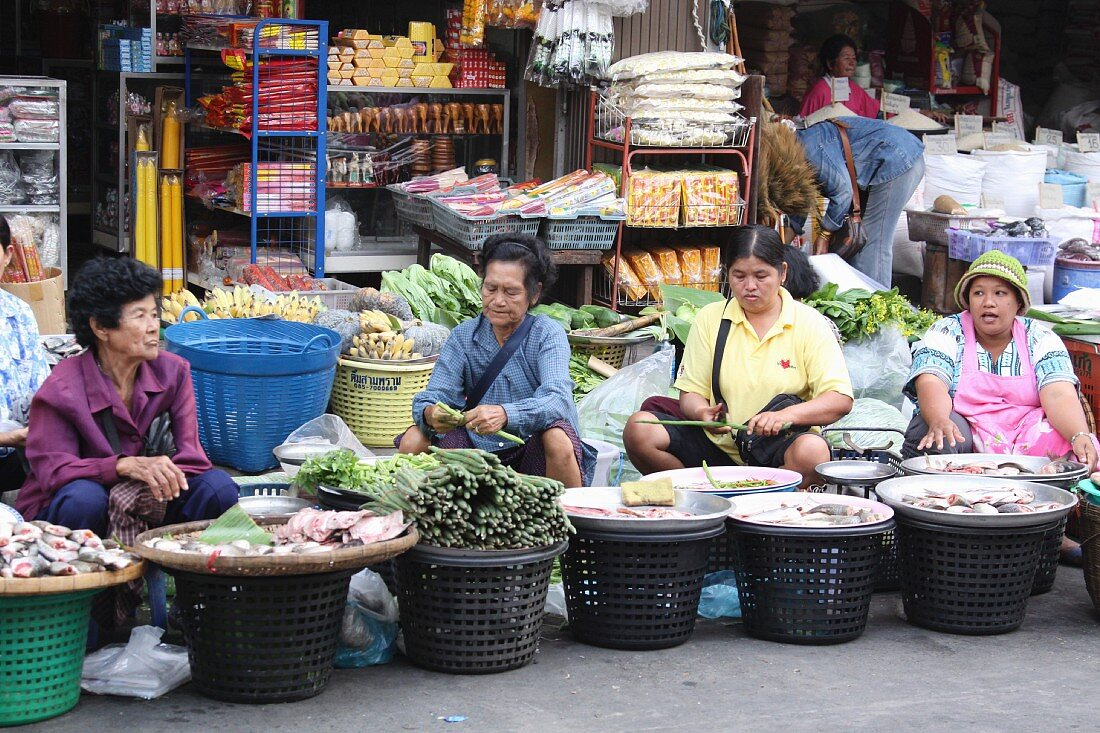 Market sellers in Thailand