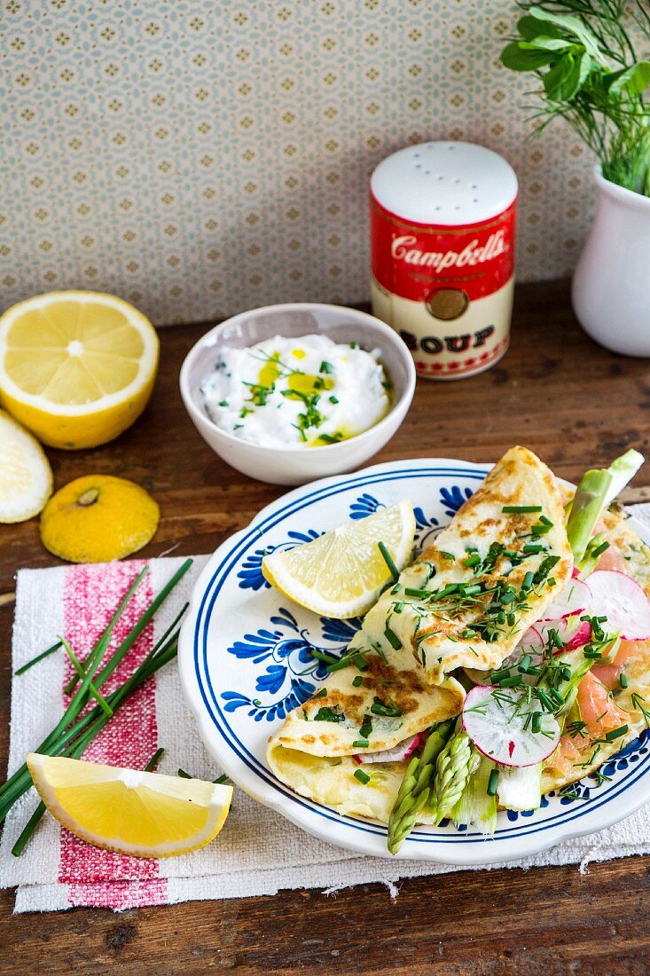 Crêpes with herbs, asparagus, radishes and smoked salmon