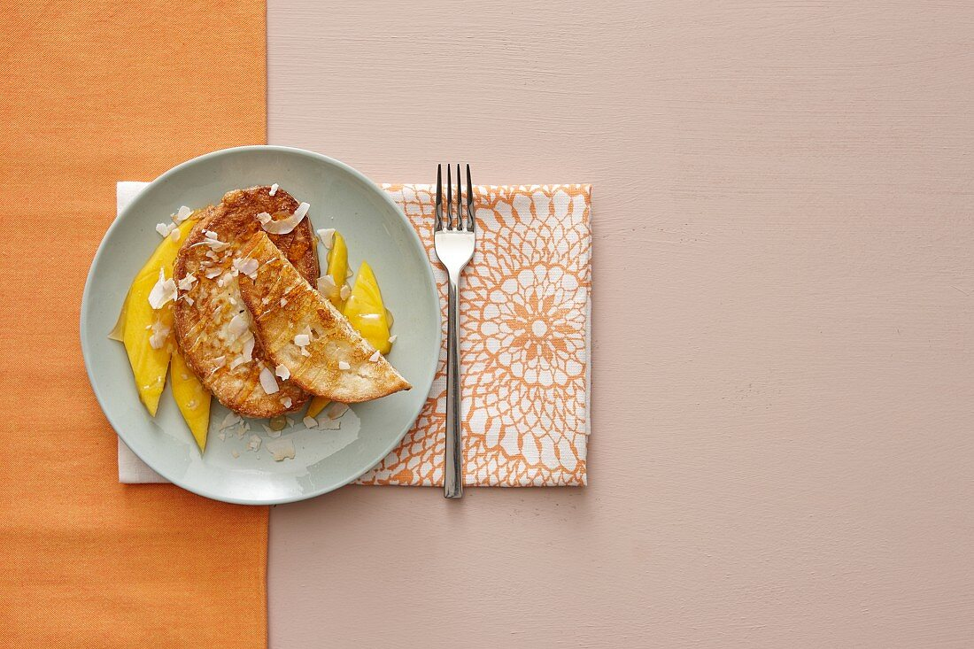 French toast with mango and coconut chips