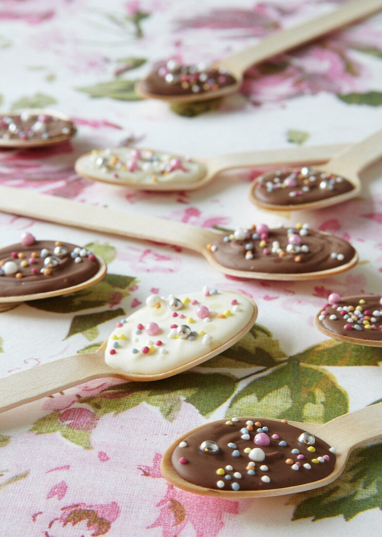 Homemade milk and white chocolate spoons