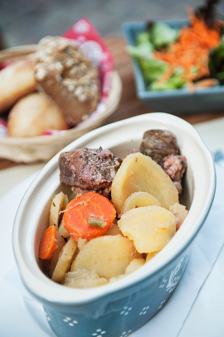 Baeckeoffe (Alsatian stew with various types of meat and potatoes)