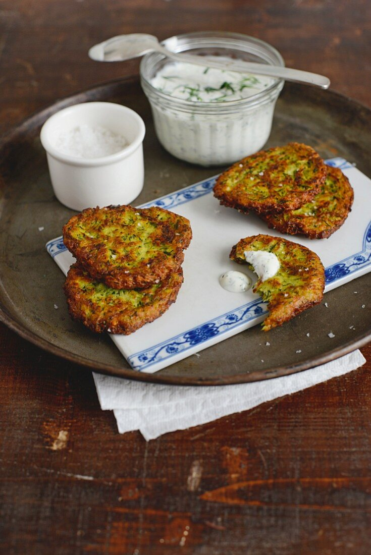 Turkish courgette and sheep's cheese cakes with a yoghurt dip