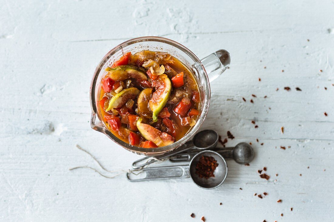 Pepper chutney with figs and sumach