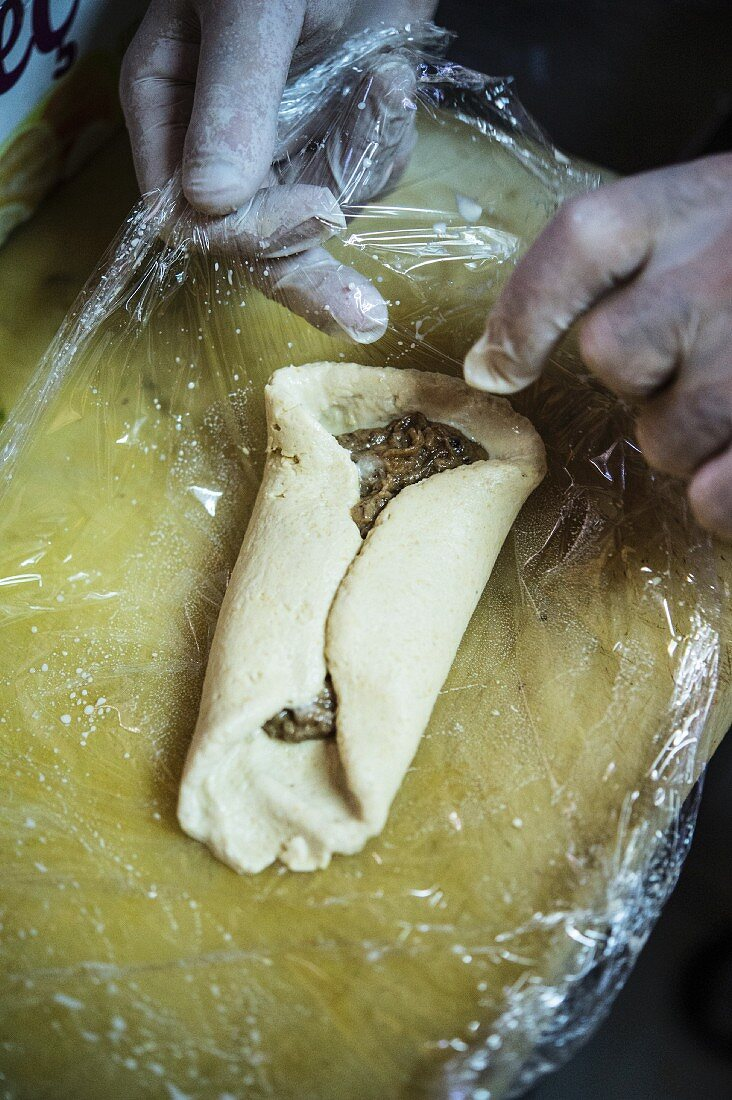 Topik being made (Armenian chickpea parcels)