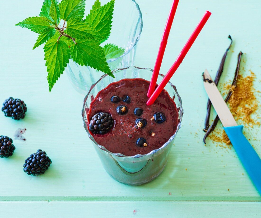 Balckberry and apple smoothie made with blackcurrants and stinging nettles