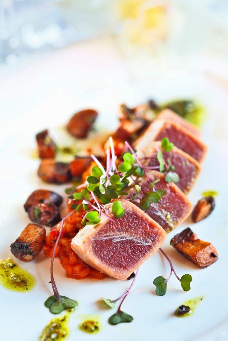 Flash-fried tuna fish with cress