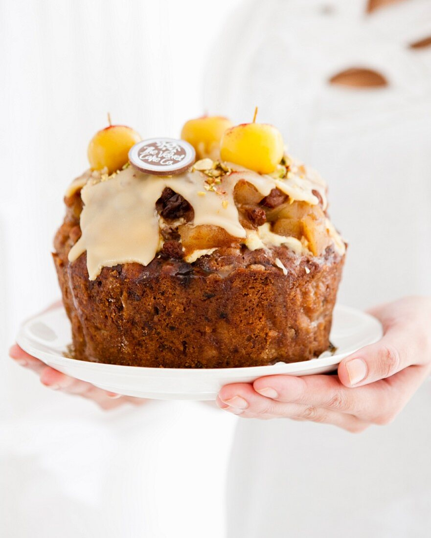 Spiced apple cake with caramel sauce