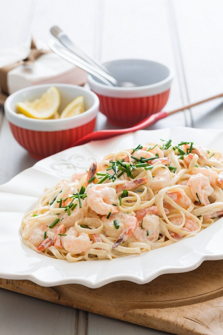Linguine with prawns and a creamy sauce