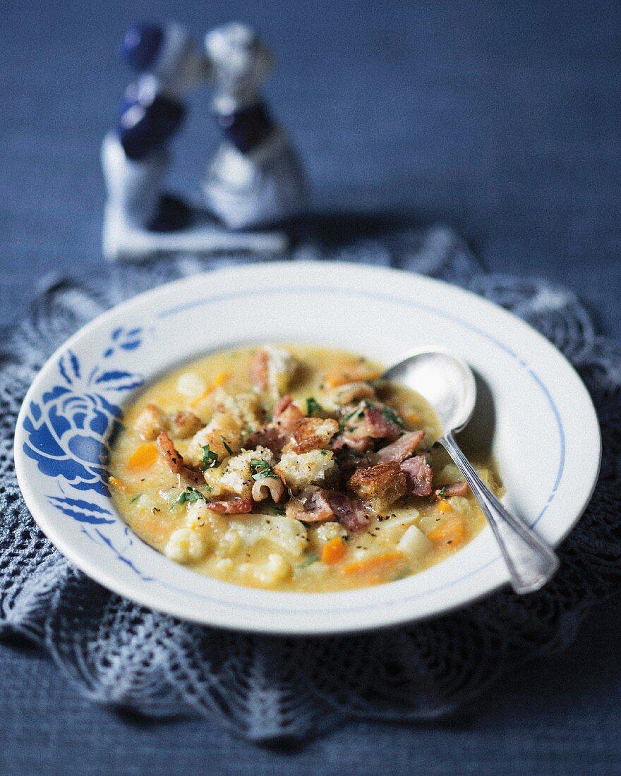 Dutch potato soup with Gouda