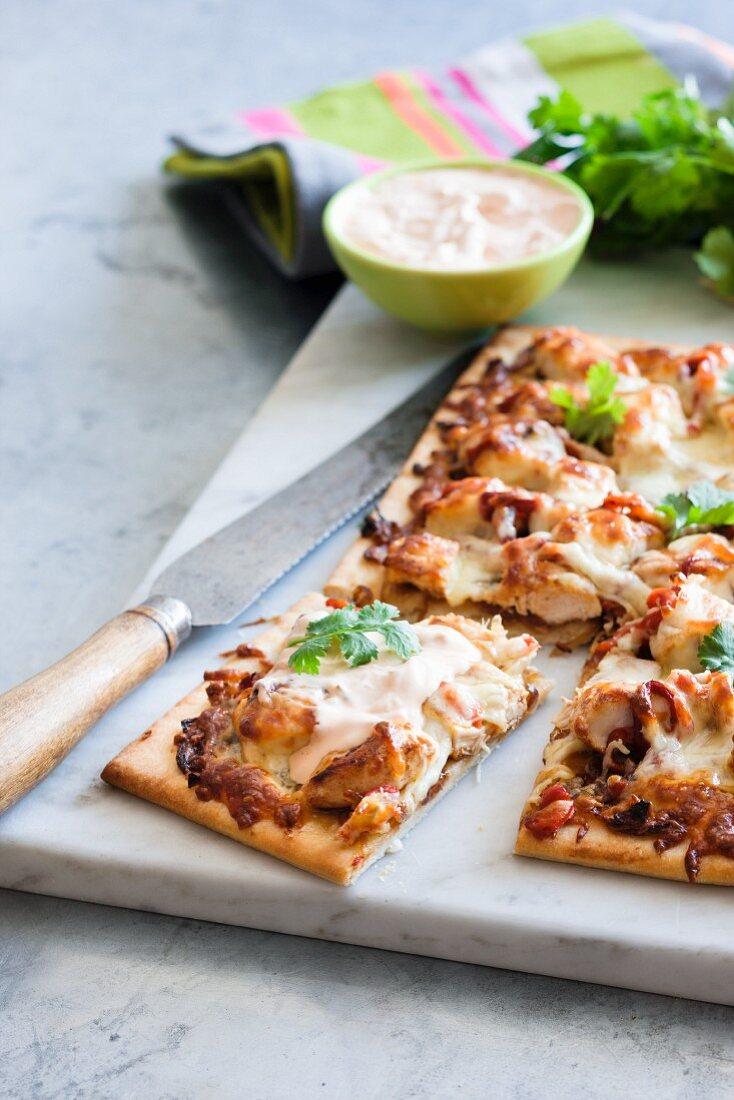Chicken and sour cream pizza (South America)