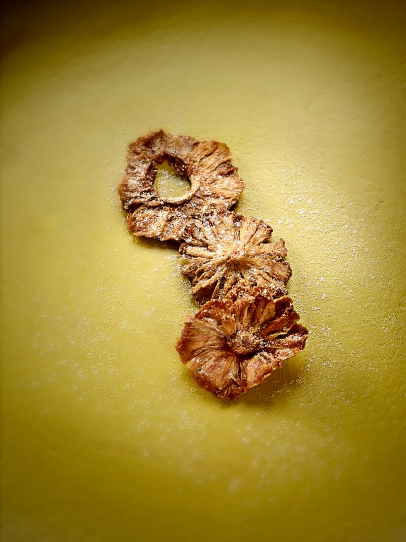 Dried pineapple rings with sugar