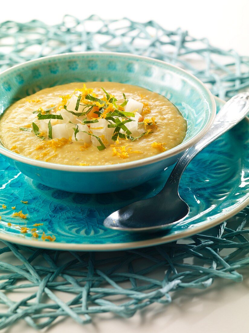 Orange and lentil soup with gingerbread spice