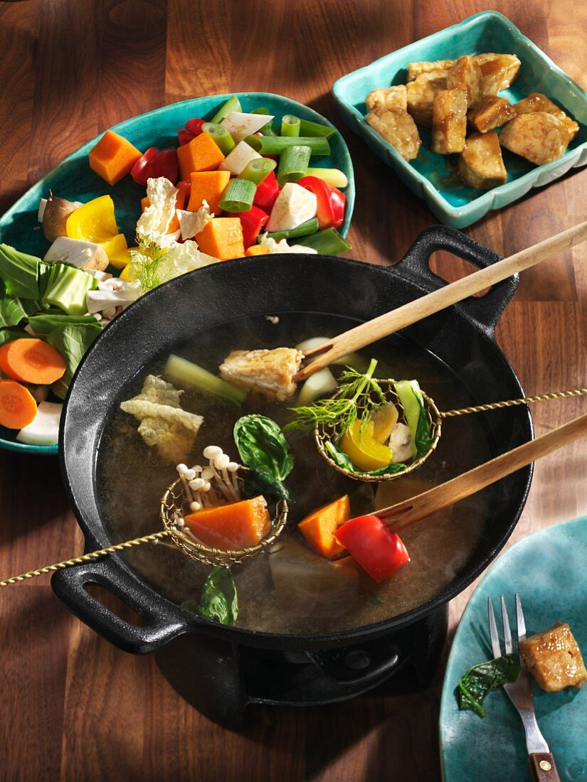 Fondue Chinoise mit Gemüse