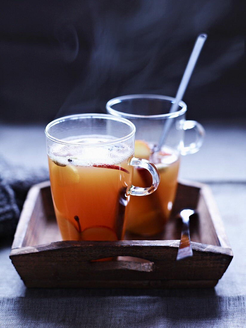 Mulled apple must with Calvados