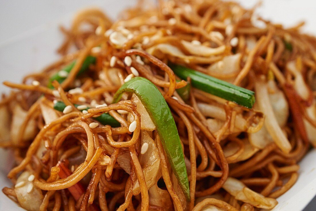 Fried noodles with vegetables (Hong Kong, Asia)