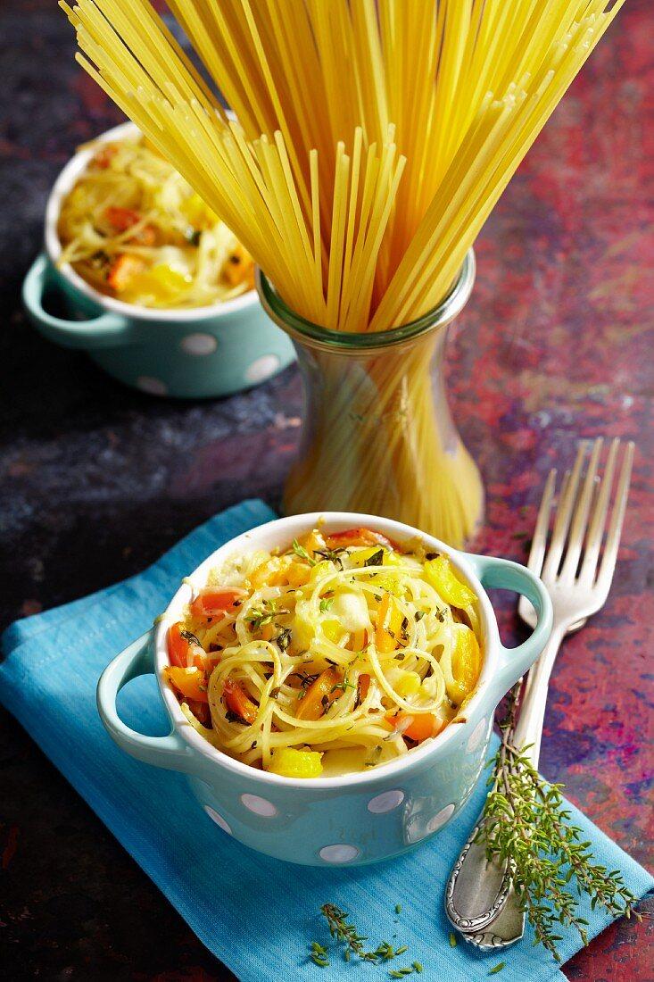 Spaghetti and pepper cocottes