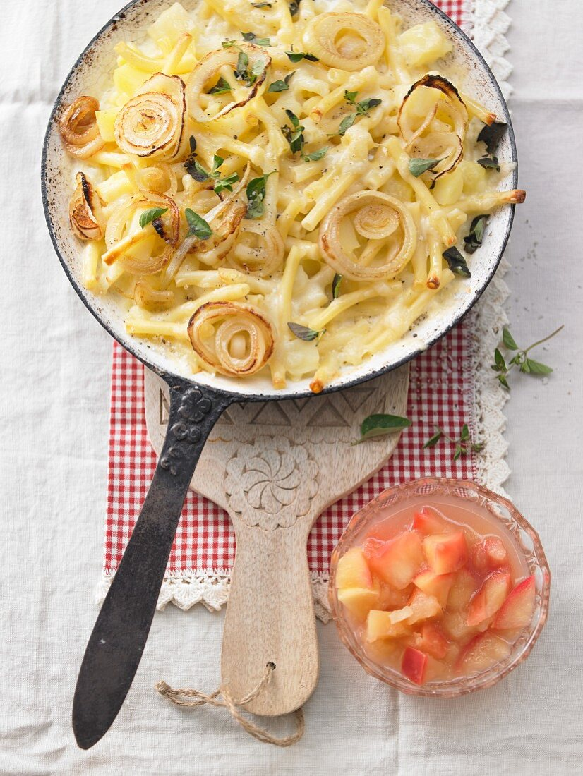 Älplermagronen (Swiss macaroni dish) with apple compote